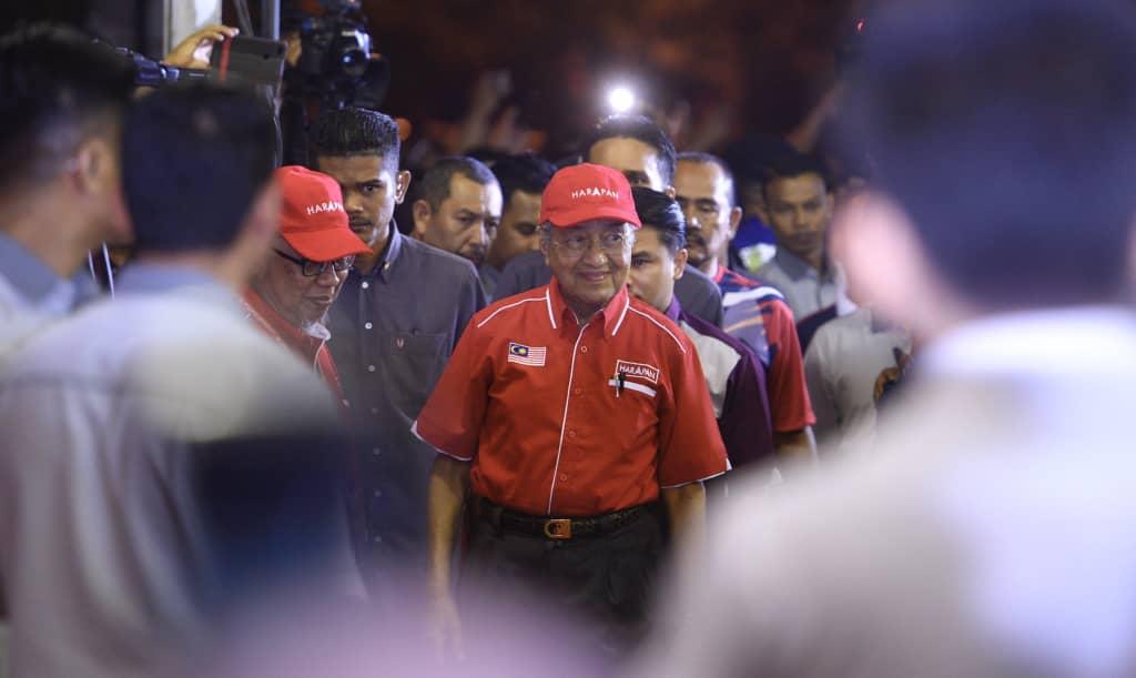 Mahathir Mohamad terus mahu berkuasa.