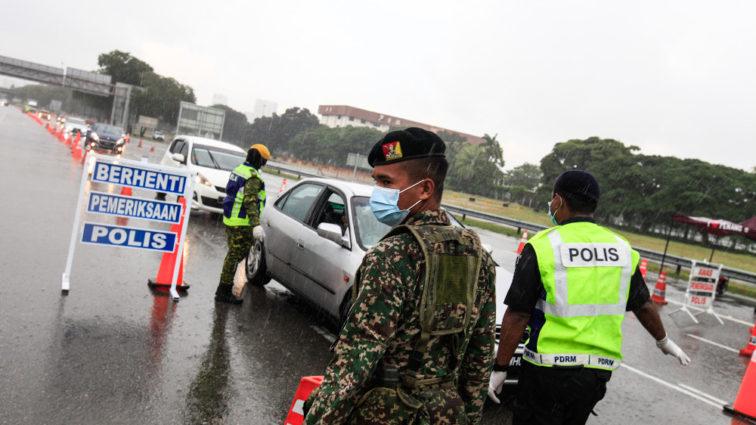 20200403SZ3_mco_road_block-penang-PKP-Polis-tentera-756x425