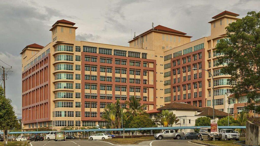 Hospital Queen Elizabeth I Kota Kinabalu - Sumber: Wikipedia