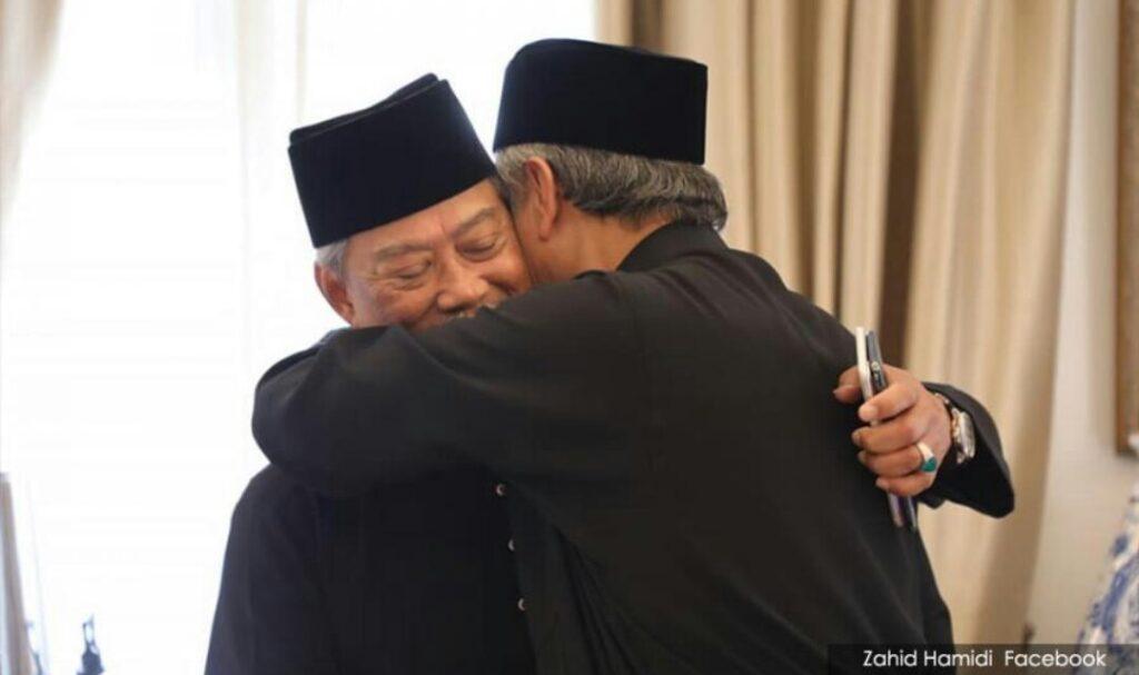 IMBAS KEMBALI...Presiden UMNO, Datuk Seri Dr.Ahmad Zahid Hamidi mengucapkan tahniah kepada Presiden Bersatu Tan Sri Muhyiddin Yassin yang mengangkat sumpah jawatan Perdana Menteri pada Mac lalu.