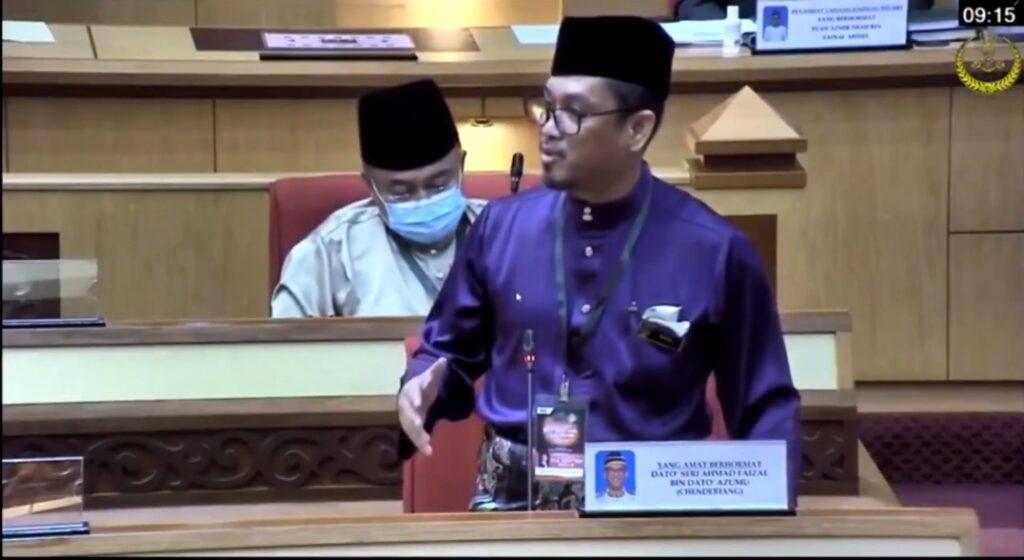 Ahmad Faizal Azumu menyampaikan ucapan selepas gagal mendapat sokongan ADUN Perak dalam undi percaya di Ipoh, hari ini.