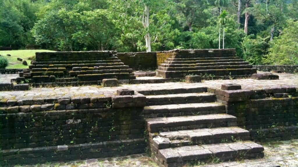 Lembah Bujang merupakan antara tinggalan sejarah Kedah Tua.