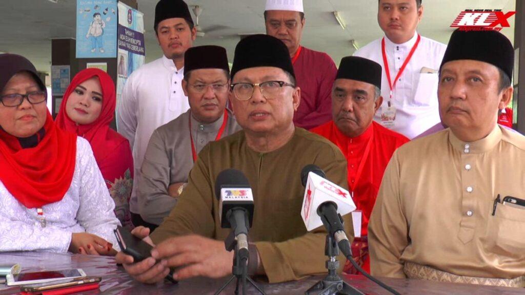 Mohd Puad Zarkashi tidak faham kenapa bertanya soalan boleh menyebabkan beliau disaman. Gambar: Carian internet